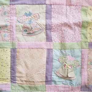 OshKosh Baby Girls Quilted Blanket - Dress Design
